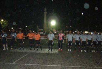futsal gresik 415x282 » Turnamen Futsal Bupati Gresik 2009, layakkah?