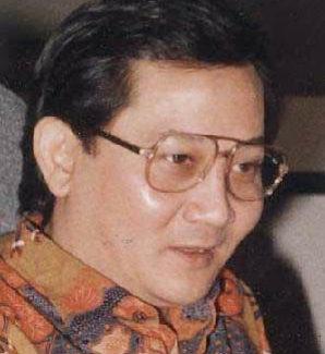 profil poetra sampoerna 298x325 » Profil Poetra Sampoerna – Peringkat 9 Orang Terkaya Indonesia