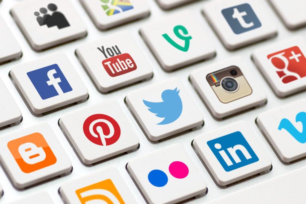 Andalkan Segala Media Sosial yang Ada 1024x683 » Langkah Awal Memulai Bisnis Online bagi Pemula dari Modal Kecil hingga Nol