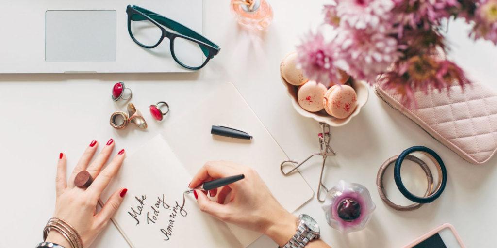 fashion 1024x512 » Niat Bisnis Online tapi Bingung mau Jual Apa? Barang ini Banyak Dicari di Tahun 2019
